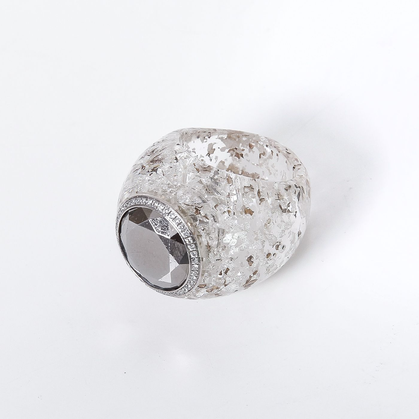 Chopard 18K White Gold With Diamonds in White Resin Ring Small