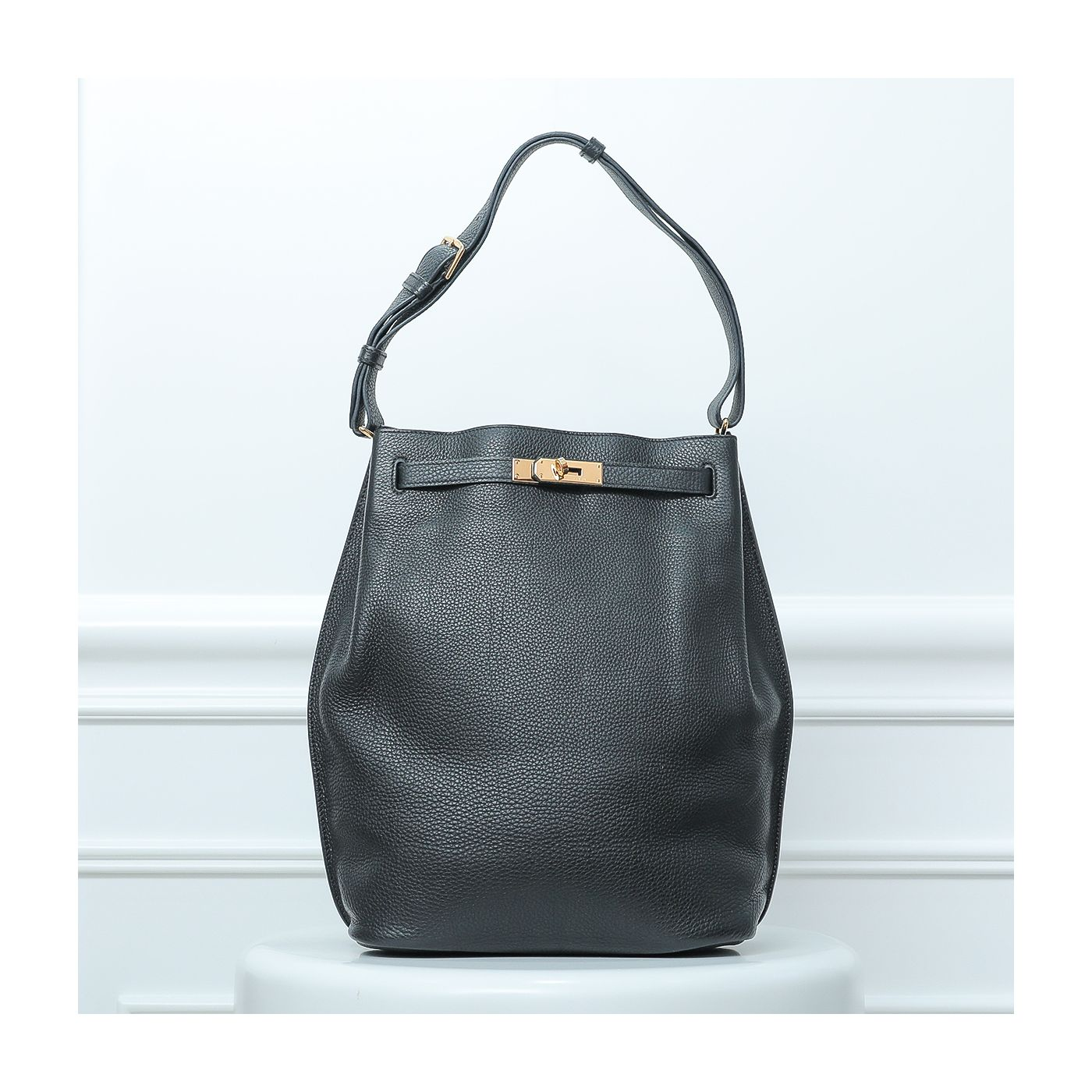 Hermes Noir So Kelly 26